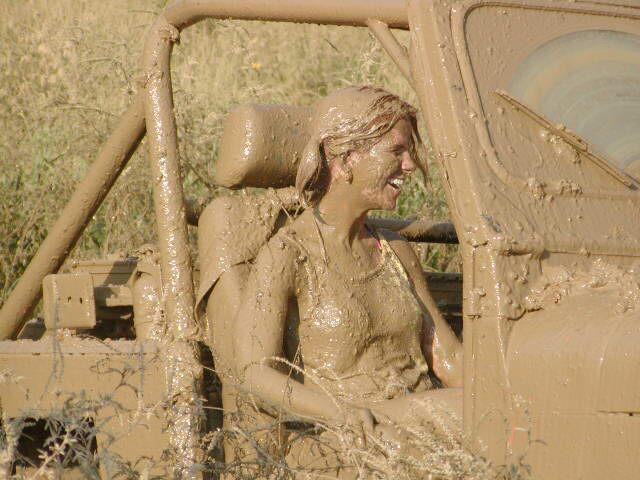 Muddy-Jeep-Girl